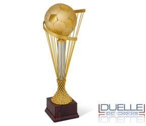 Coppa personalizzata premiazioni argento e oro con pallone calcio